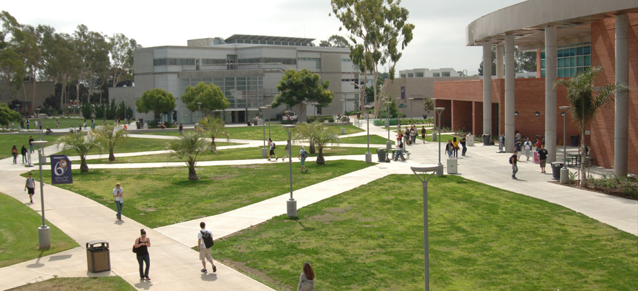 Outdoor view of Library and Art Center