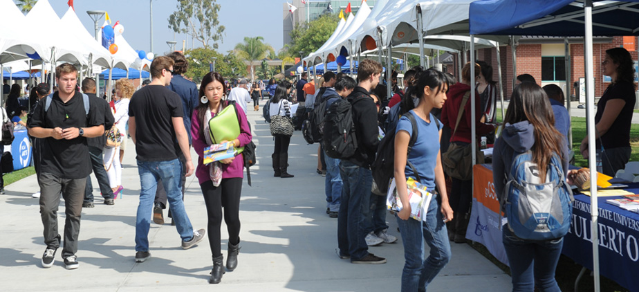Students attending the Transfer Fair